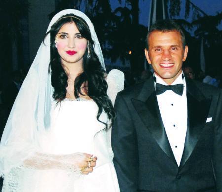 Düğün törenine sanat ve spor camiasından yaklaşık 1000 davetli katıldı.
