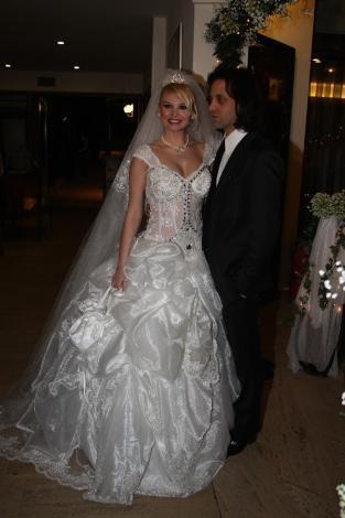 Böyle olur manken düğünü - 34