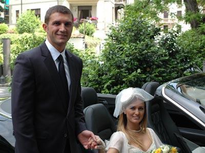 Tuğba Özay'ın nikah şahitliğini Pasha Tur'un sahibi Mümtaz Teker, damadın şahitliğini ise Fabio Sonego yaptı.