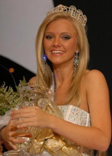 Güzellik yarışmasının sponsorluğunu yapan RPM Productions şirketi, Evans'tan tacını ve birincilik kuşağını geri istedi.