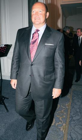 MUSTAFA KOÇ  Koç Holding Yönetim Kurulu Başkanı Mustafa Koç, bu yıl itibariyle 51 yaşına girdi.