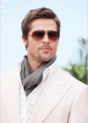 BRAD PİTT  Özellikle kadınların rüyalarını süsleyen yakışıklı aktör Brad Pitt, 48 yaşında.