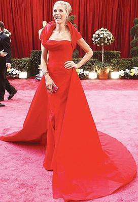HEIDI KLUM  Güzelliği ile yıllara meydan okuyan Heidi Klum 38 yaşında...