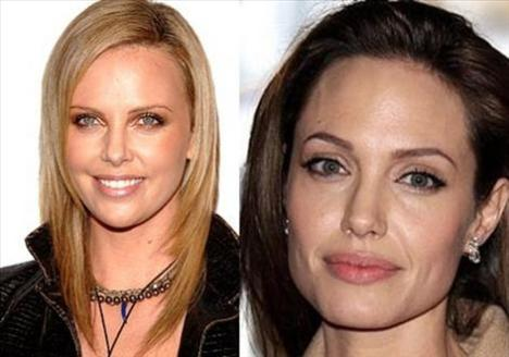 Charlize Theron ve Angelina Jolie  1975 doğumlu iki ünlü güzel kendilerinden daha genç kadınları bile kıskandırıyor görünüşleriyle.   Ama Theron´un yumuşak yüz hatları onu biraz daha genç gösteriyor.