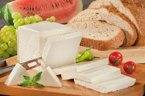 Beyaz peynir  75 kalori, 6 gr. yağ, 108 mg. kalsiyum Yarım yağlı kaşardan daha az kalori içeriyor. Kalsiyum oranı ne çok az ne de fazla.  Tuzlu ve D vitamini açısından zengin.   Sağlık değerlendirmesi: 7