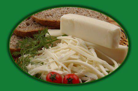 Taze kaşar peyniri açık sarı renkte, homojen yapıda, süt kokulu, kolay dilimlenebilir ve az tuzlu olur.   Dil peyniri az tuzlu olmalı ve lif lif ayrılabilmelidir.