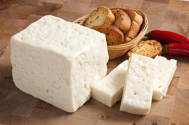Keçi peyniri  59 kalori, 4.7 gr. yağ, 57 mg. kalsiyum İnek peynirine oranla az kalorili. D vitamini açısından zengin. Ancak kalsiyum, ya da çinko açısından zengin olduğu söylenemez.   Sağlık değerlendirmesi: 9