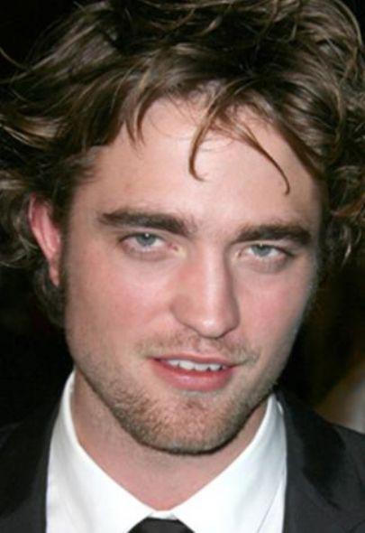 Alacakaranlık serisi ile ünlenen Robert Pattinson.