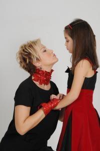 Berna Laçin ve kızı Ada.