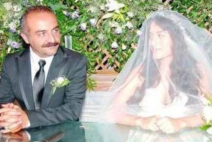Şimdiki eşi Belçim Bilgin ile evlendiğinde 39 yaşındaydı. Genç yıldız ise Erdoğan'a 'evet' dediğinde 23 yaşındaydı.