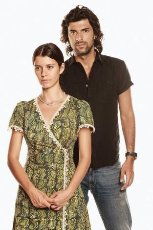 Engin Akyürek  Genç aktörün boyu 1. 87 cm.