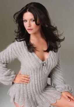 Catherine Zeta Jones   Güzel yıldız 1.72 boyunda ve 58 kilo.