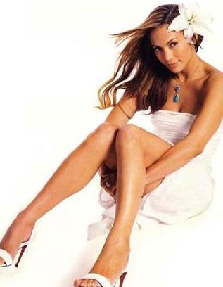 Jennifer Lopez   Güzel yıldızın boyu 1.67 cm kilosu 54.