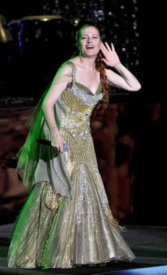 Candan Erçetin  Güzel şarkıcı 1. 69 cm boyunda.