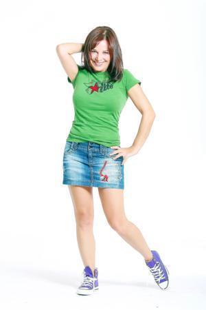 Şenay Gürler  Deneyimli oyuncunun boyu 1. 58 cm.