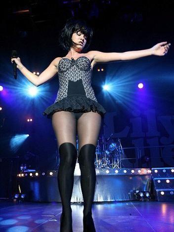 Kusursuz fiziğiyle dikkat çeken Rihanna da selülit mağduru.