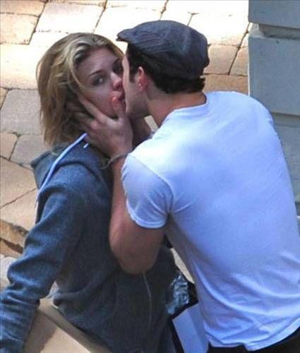 Yeni ayrılan AnnaLynne McCord ve Kellan Lutz gerçekten seksi bir çiftti, bu fotoğrafta olmasalar da...