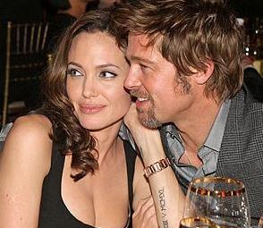 Angelina Jolie ile Brad Pitt arasında da zaman zaman kıskançlıklar yaşanıyor...