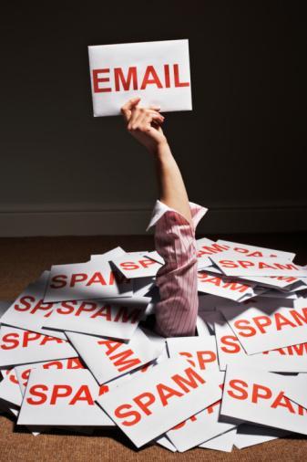 10. E-posta konusunda sizi en çok rahatsız eden nedir?  A.İstek dışı gelen tanıtım mesajları B.İnsanların mesajlarınıza yanıt vermemesi C.Anlamsız bir mesajın içinde onlarca insanın e-posta adresinin görünmesi D.İnsanların dil bilgisi ve yazım kurallarına uymaması