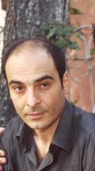 Murat Daltaban, ODTÜ Maden Mühendisliği'nde okuduktan sonra, 1992'de Ankara Üniversitesi DTCF Tiyatro Bölümü Oyunculuk Ana Sanat Dalı'ndan mezun oldu.  İstanbul Şehir Tiyatroları'nda çalıştı. Bir dönem kulüplerde grubuyla rock ve punk tarzı müzik yaptı.