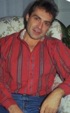 Haluk Bilginer, daha sonra 1971 yılında Ankara Devlet Konservatuvarı Tiyatro Bölümü'ne girdi.   1977'de İngiltere'ye Londra Müzik ve Drama Sanatları Akademisi'nde (LAMDA) bünyesinde eğitimini sürdürdü.