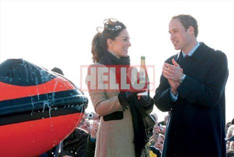 Prens William ve Kate Middleton, nişanlandıktan sonra Greenmount Agricultural College'in İrlanda'da düzenlenen okullararası maçlarını izlemeye birlikte gittiler. Çiftin mutluluğu objektiflere yansıyordu.