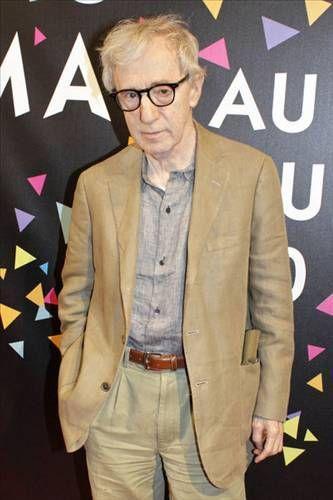 Oynadığı ve yönettiği filmlerle kendine has bir tür oluşturmayı başaran 1935 Brooklyn doğumlu Woody Allen'ın ölüm korkusu var.