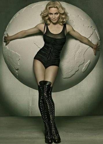 Pop müziğin ünlü sesi Madonna da güzelliğini takıntılarına borçlu.