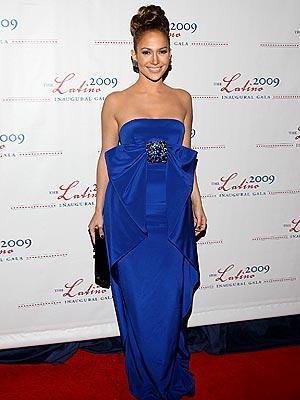 Jennifer Lopez, tepeden topladığı saçalrıyla ne kadar da zarif görünüyor