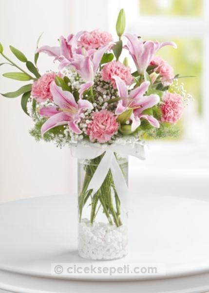 Sizden gelen bir çiçek, bazı anneler için en kıymetli hediye...  ciceksepeti.com  (55 TL)