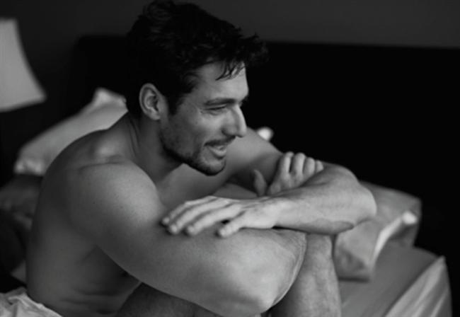 8- BURNU BÜYÜKSE  İri burunlu bir erkek gayet karizmatik de olabilir, ancak genellikle kadınlara pek çekici gelmez. Peki, iri bir burnun büyükçe bir cinsel organın ipucu olduğunu söylesek?!
