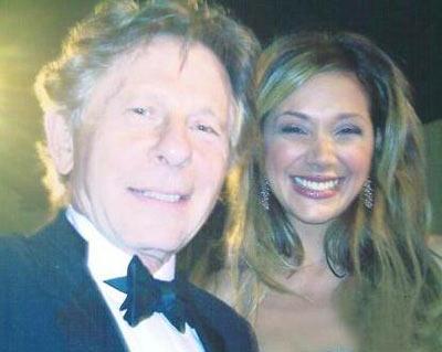 Erol daha sonra menajeri aracılığıyla yaptığı açıklamada Tarantino ile iki yıl süren ilişkisini bitirdiğini açıkladı.   Erol, Roman Polanski,Paris Hilton gibi ünlülerle çektirdiği fotoğrafları basına dağıtarak yine gündemde kalmayı bildi.