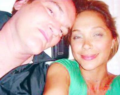 """Erol çok tartışılan bu """"aşk"""" itirafının ardından bu kez de Tarantino ile Cannes'da film festivale sırasında tanıştıklarını ileri sürdü. Erol, 'yalan söylüyor' iddialarına yönelik olarak da hepsini kanıtlayacağını söyledi."""
