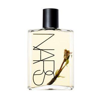 En iyi vücur yağı  Şişenin içindeki  tiare çiçeğinin yaydığı muhteşem kokunun yanı sıra cilde parlaklık veren bu vücurt yağını,  hem günlük nemlendirici olarak hem de kuruyan saçlarınızı  yumuşatmak amacıyla bakım maskesi olarak kullanabilirsiniz.  NARS, Monoi Body Glow  Fiyat : 140 TL