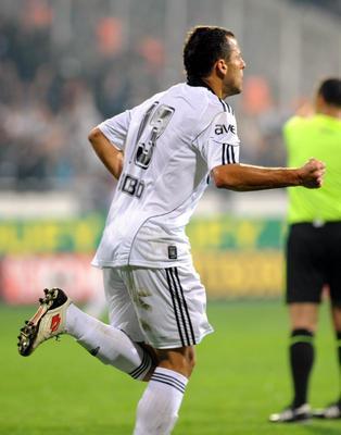 Beşiktaş'la sözleşmesi sezon sonunda bitecek olan Bobo'nun, Sporting Lizbon'la anlaşmaya vardığı ortaya çıktı.