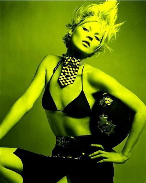 Kate Moss'un en güzel pozları - 17
