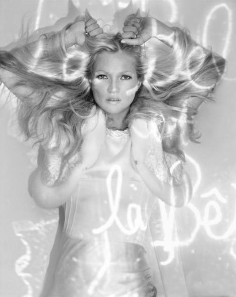 Kate Moss'un en güzel pozları - 22