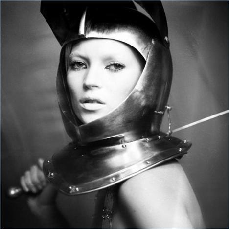 Kate Moss'un en güzel pozları - 35
