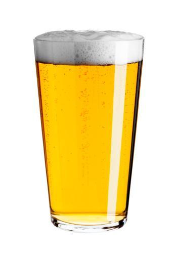 SAAT 23.00  Bira ile gevşeyin  Neden?     Barda veya bir davettesiniz... Ya da tatilde... Hoş bir geceyi hafif bir içki ile renklendirebilirsiniz. Kolay hazmedilen ve gevşetici etkisi olan bir içki olmalı.  Ne içmelisiniz?   Akşam yemeğinden sonra gittiğiniz eğlence yerinde şaraptan daha az alkollü olan birayı tercih edin. İçeriğindeki şerbetçiotu sayesinde bira hazmı kolaylaştırıyor. Ancak bağırsak gazlarını ve karında şişkinlik yapmasını önlemek için birayı yudum yudum içmeye özen gösterin.