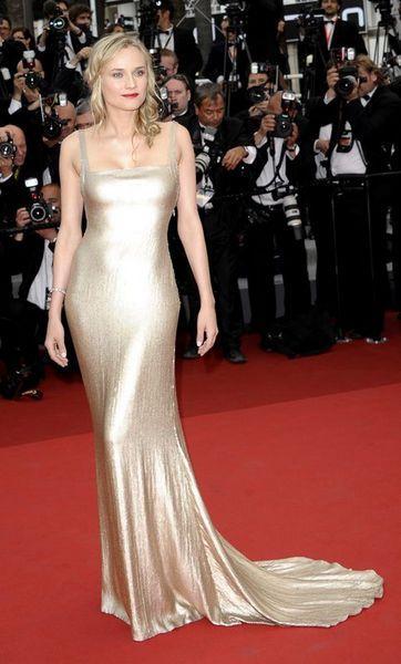 Dünyanın en saygın film festivallerinden biri olarak kabul edilen Cannes Film Festivali bu yıl 64'üncü kez yapılıyor. İşte festival tarihine damga vuran anlar...