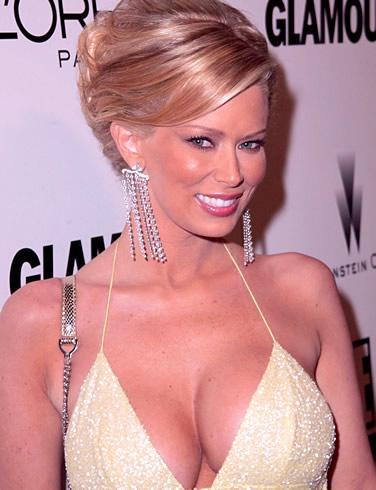 Jenna Jameson   Jenna, porno sektörünün en başarılı ismi olarak gösteriliyor.