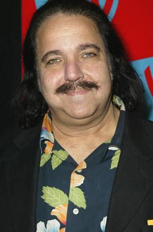 Ron Jeremy   En çok porno filmde oynama rekorunu elinde tutan Ron, tiyatro mezunu...