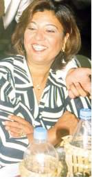 SUZAN BURAK  Suzan Burak, Türkiye'nin en önemli sanatçılarından birinin annesi.