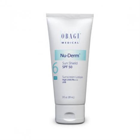 Yaşlanma karşıtı  Obagi Nu Derm Sun Shield SPF50, içeriğindeki Oktinoksat ve Çinko Oksit ile güneş yanığını önlemek için UVB emilimi ve UVA blokajı sağlıyor.