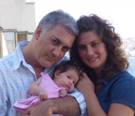 Arzu Balkan her iki olayda da Karadağlı'yı affederek, ilişkilerini bozmamıştı.   Ancak Karadağlı'nın Deniz Uğur ile görüntülenmesi, çiftin evliliğini üçüncü kez sarstı. 2007'de boşandıktan sonra yeniden barışan ikili hâlâ birlikte.