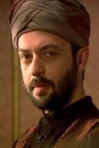 Kanuni Sultan Süleyman'ın kardeşi Hatice Sultan'a olan aşkını uzun süre sakladı. Aşk ateşiyle yanarken bile..