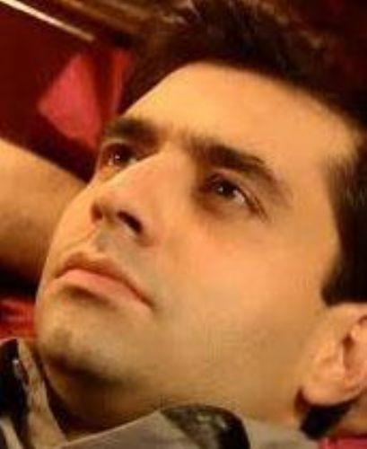 İyi eğitimli, yetenekli, zengin ve karizmatik Murat Hoca karakterini Cansel Elçin canlandırıyor.
