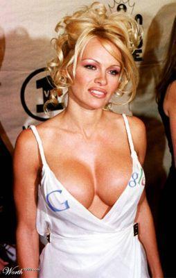 Görüntüler internette yayınlanınca büyük skandal olmuştu.