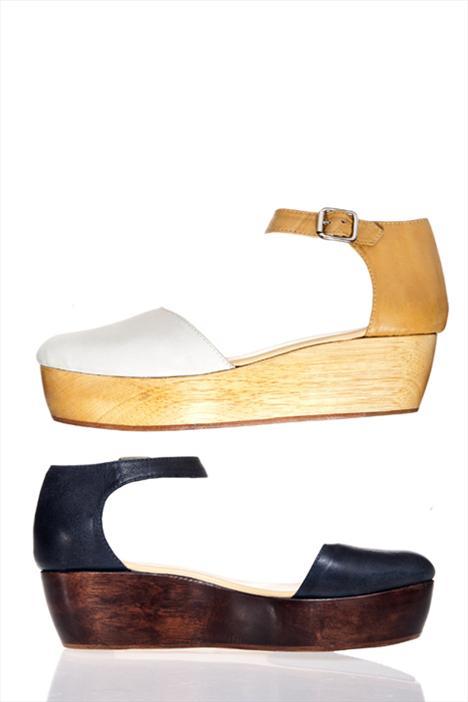 Bu yaz en trendy ayakkabıların hepsi platformlu. Bu resimdeki Vena Cava platformlar ise moda dünyasının yeni ilham mekanı Uzakdoğu'yu çok başarılı bir şekilde yansıtıyor.