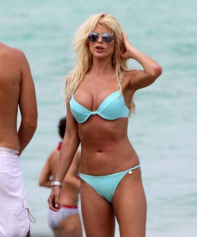 Victoria Silvstedt - 4